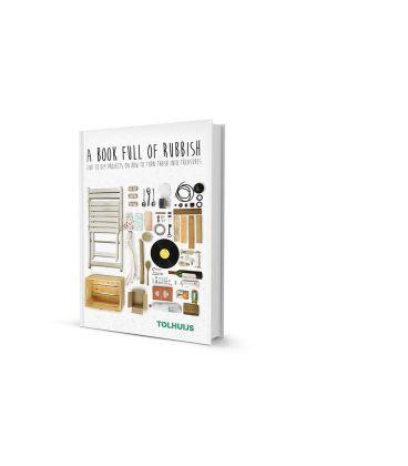 """Carte cu 33 de proiecte DIY """"A book full of rubbish"""""""